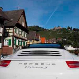 Pacote pela Floresta Negra de Porsche