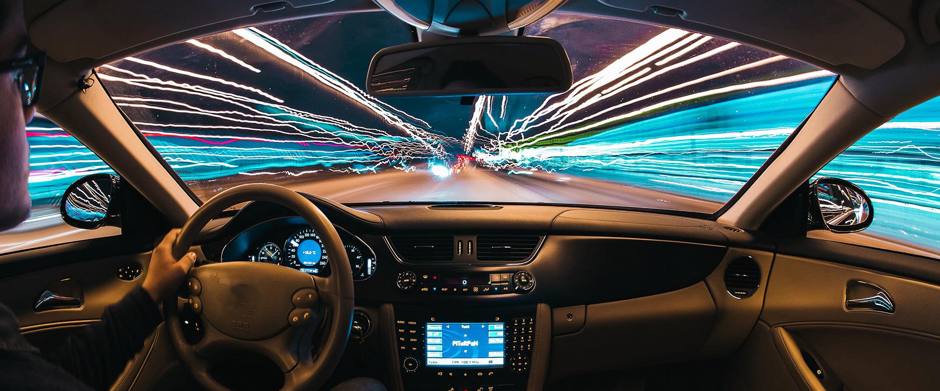 FEira-no-setor-de-Veículos-e-acessórios