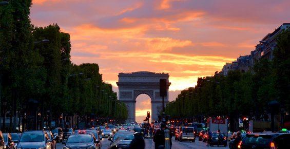 Avião, carro ou trem na França
