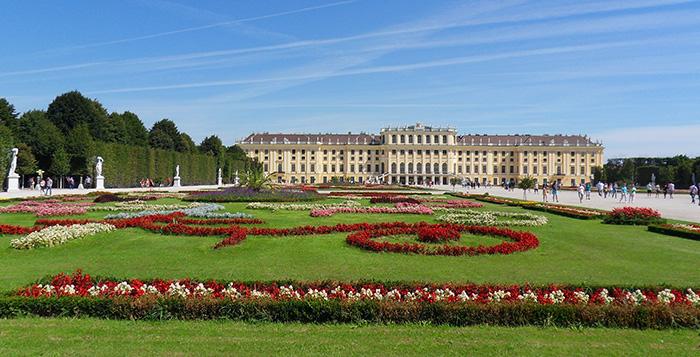 Palácio de Schönbrunn Trains and Tours